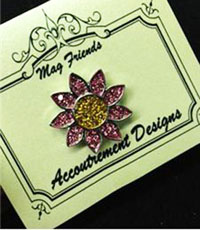 Glamorous Pink Daisy Magnet