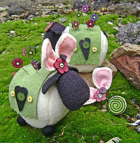Ewe Look Fabulous Pincushion