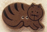 43014R Brown Cat Lying Down Facing Right Debbie Mumm Button