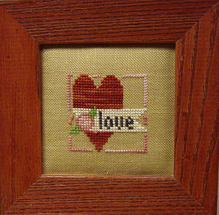SHOP MODEL - MERRY MAKING - MINI FLORAL HEART