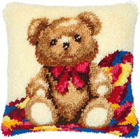 Bear Cub Latch Hook Cushion Kit