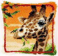 Giraffe Eating Leaves Cushion Latch Hook Rug Kit